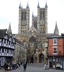 220px-lincoln_cathedral_from_castle_hill_28crop29